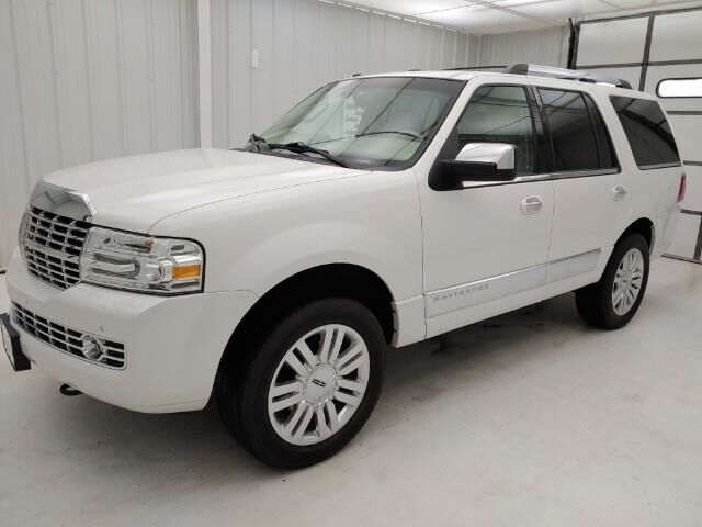 2013 LINCOLN Navigator 4WD 4dr Manhattan KS