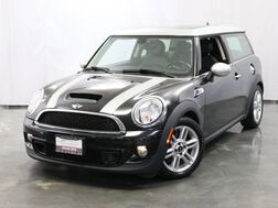 2013_MINI_Cooper Clubman_S / 1.6L Turbocharged Engine / MANUAL Transmission / Dual Pane Panoramic Sunroof / Bluetooth / Heated Leather Seats / Power Folding Mirrors_ Addison IL