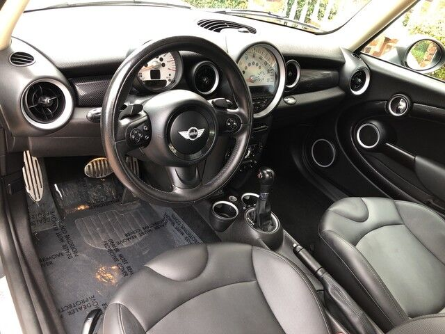2013 MINI Cooper Hardtop S type british green with white top GORGEOUS EXCELLENT CONDITION MUST C & DRIVE Arlington TX