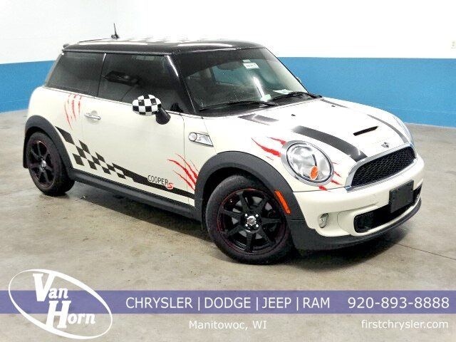 2013 MINI Cooper S Base Plymouth WI