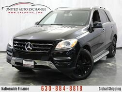 2013_Mercedes-Benz_M-Class_ML 350 / 3.5L V6 Engine / 4Matic AWD / ** Rear Entertainment** /_ Addison IL