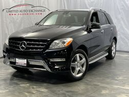 2013_Mercedes-Benz_M-Class_ML 550 / 4.6L Bi-Turbo V8 Engine / AWD 4matic / Sunroof / Navigation / Rear View Camera / Harmon Kardon Sound System / KEYLESS-GO / Blind Spot Assist / Lane Keeping Assist_ Addison IL