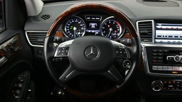 2013 Mercedes-Benz ML550 4-Matic AMG Sport 4dr Suv Chicago IL