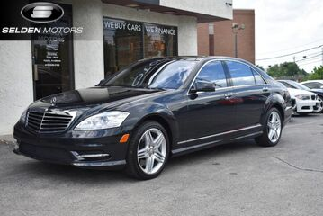 2013_Mercedes-Benz_S550_4Matic_ Conshohocken PA
