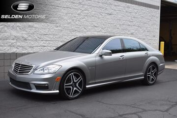 2013_Mercedes-Benz_S63_AMG_ Willow Grove PA