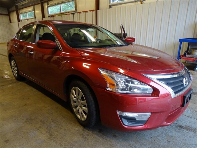 2013 Nissan Altima 2.5 S Plymouth WI