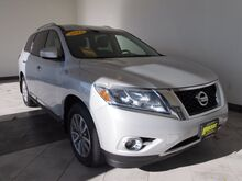 2013_Nissan_Pathfinder_SL_ Epping NH