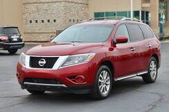 2013_Nissan_Pathfinder_SV_ Fort Wayne Auburn and Kendallville IN