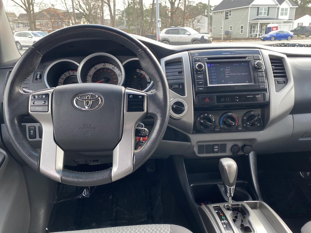 2013 TOYOTA TACOMA SR5 DOUBLE CAB 4X4, WARRANTY, BLUETOOTH, AUX/USB PORT, BACKUP CAM,  TOW PKG! Norfolk VA