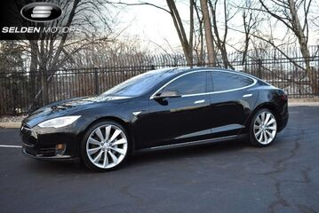 2013_Tesla_Model S__ Willow Grove PA