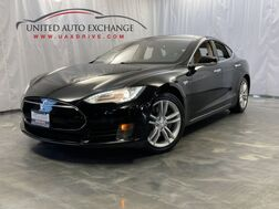 2013_Tesla_Model S_60 / Electric Motor / RWD / Panoramic Sunroof / Navigation / Bluetooth / Rear View Camera_ Addison IL