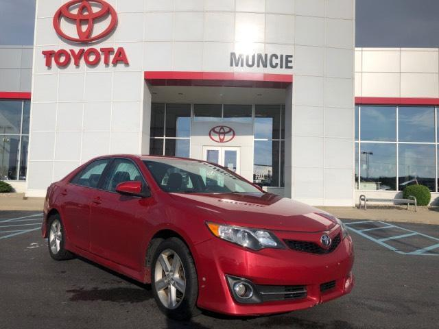 2013 Toyota Camry 4dr Sdn I4 Auto SE Muncie IN