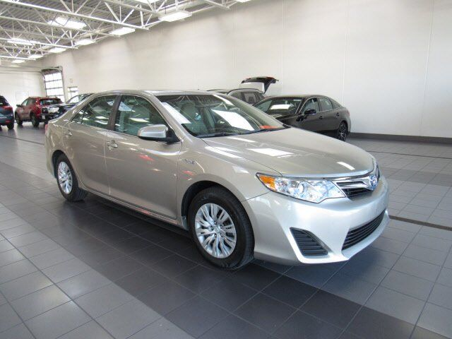 2013 Toyota Camry Hybrid LE Green Bay WI