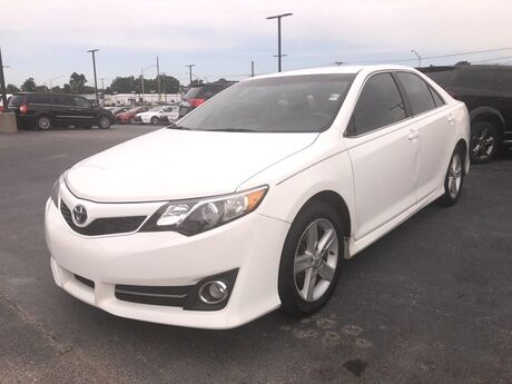 2013 Toyota Camry SE Fort Wayne Auburn and Kendallville IN