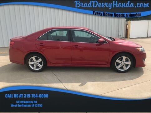 2013_Toyota_Camry_SE_ West Burlington IA