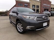 2013_Toyota_Highlander_Plus_ Carrollton TX