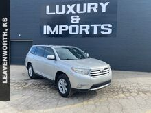 2013_Toyota_Highlander_SE_ Leavenworth KS