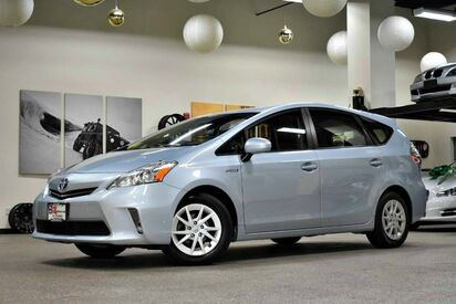2013_Toyota_Prius v_Two_ Boston MA