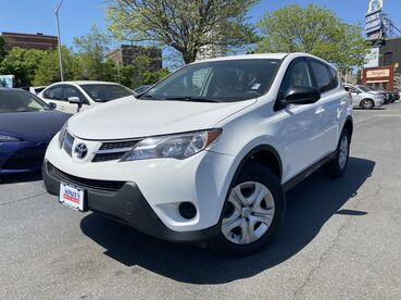 2013_Toyota_RAV4_LE_ Worcester MA