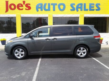 2013_Toyota_Sienna_FWD 7-Passenger V6_ Indianapolis IN