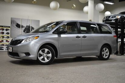 2013_Toyota_Sienna_L_ Boston MA