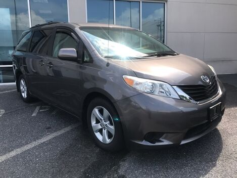 2013_Toyota_Sienna_LE ** REAR DVD ENTERTAINMENT ** ONE OWNER **_ Salisbury MD
