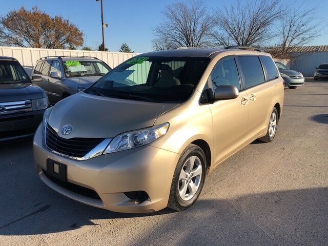 2013 Toyota Sienna LE AAS Gainesville TX