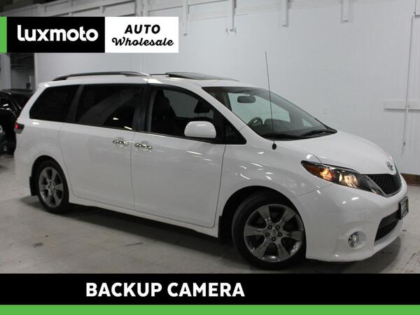 2013_Toyota_Sienna_SE Back-Up Camera_ Portland OR