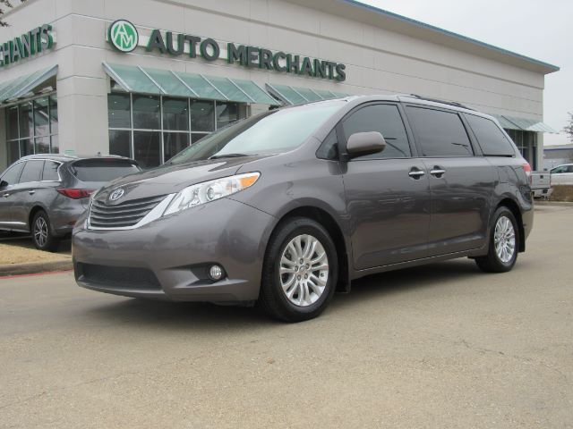 2013 Toyota Sienna XLE FWD 8-Passenger V6 3.5L, 6CYL, AUX OUTLET, DUAL ZONE AC, PREMIUM STEREO Plano TX