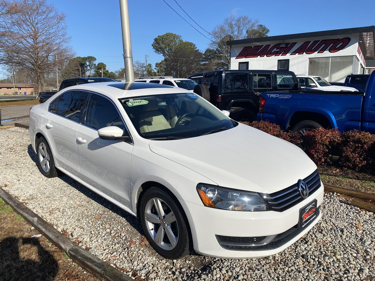 2013 VOLKSWAGEN PASSAT SE, WARRANTY, LEATHER, SUNROOF, BLUETOOTH, AUX/USB PORT, BACKUP CAM, CLEAN CARFAX! Norfolk VA