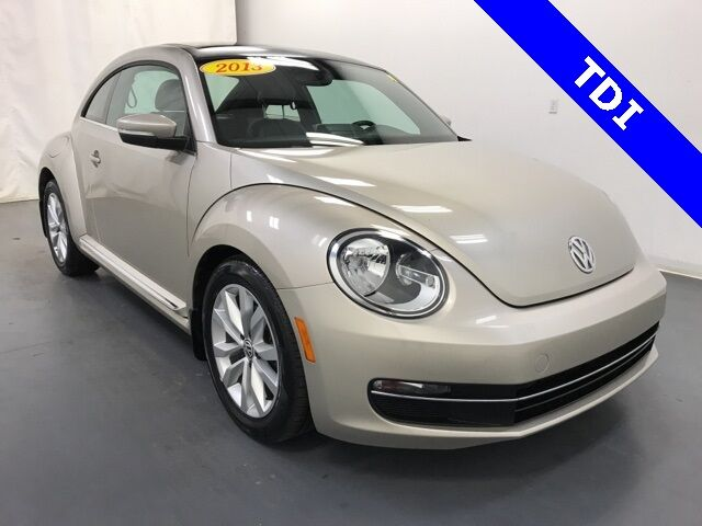 2013 Volkswagen Beetle 2.0 TDI w/ Sunroof Holland MI