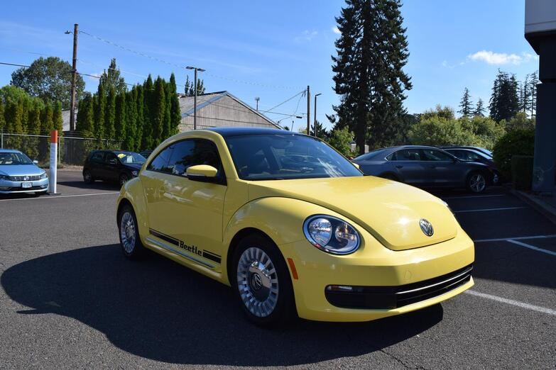 2013 Volkswagen Beetle 2.5L w/Sunroof McMinnville OR