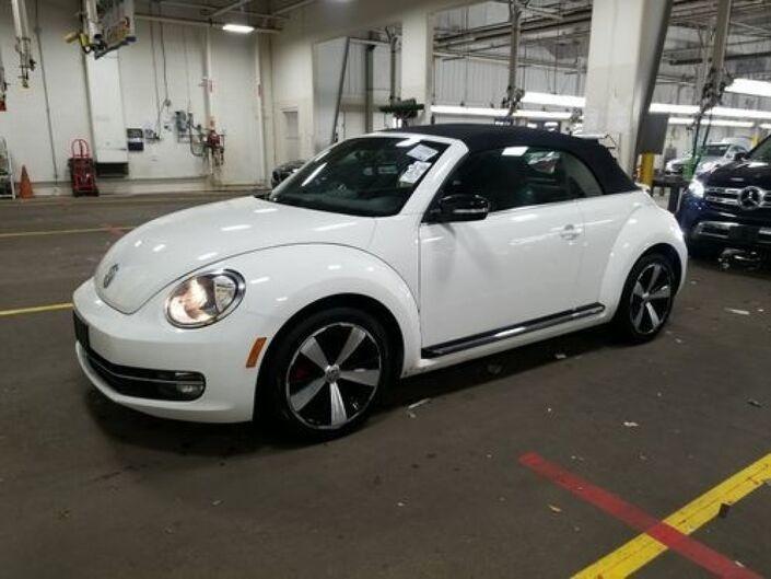 2013 Volkswagen Beetle Convertible 2.0T Tallmadge OH