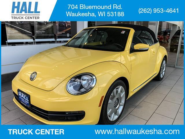 2013 Volkswagen Beetle Convertible 2.5L PZEV Brookfield WI