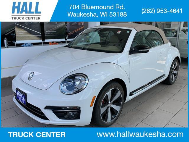 2013 Volkswagen Beetle Convertible Turbo PZEV Brookfield WI
