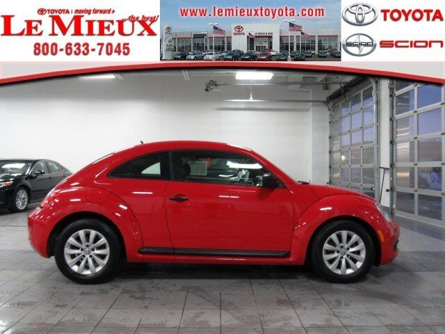 2013 Volkswagen Beetle Coupe 2.5L Entry Green Bay WI