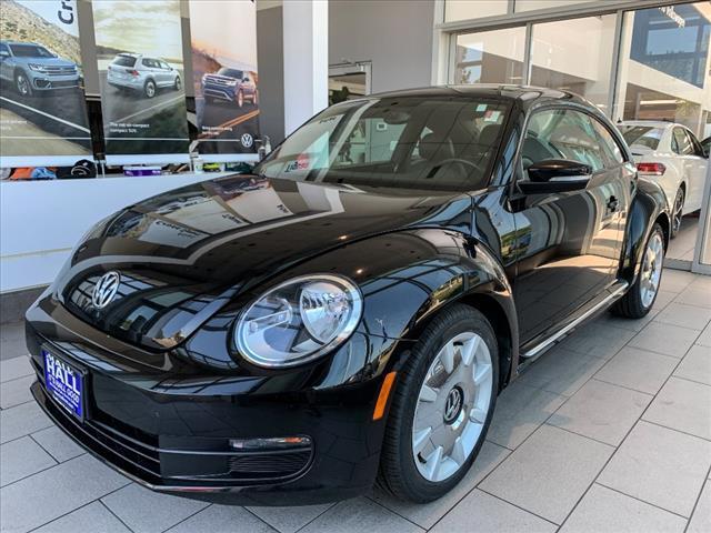 2013 Volkswagen Beetle HATCHBACK Brookfield WI