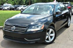 Volkswagen Passat SE - w/ LEATHER SEATS & SUNROOF 2013