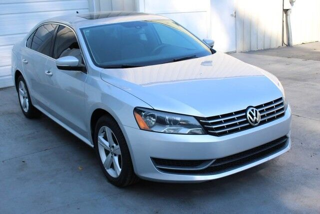 2013 Volkswagen Passat TDI Turbo Diesel SE Sunroof Warranty One Owner Knoxville TN