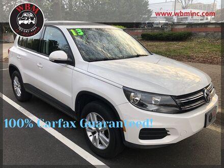 2013_Volkswagen_Tiguan_S_ Arlington VA