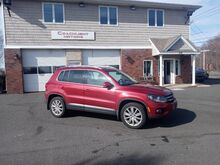 2013_Volkswagen_Tiguan_SE w/Sunroof & Nav_ East Windsor CT