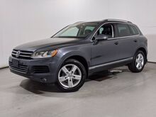2013_Volkswagen_Touareg_Lux_ Cary NC