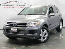 Volkswagen Touareg Sport / 3.0L V6 TDI DIESEL Engine / AWD / Panoramic Sunroof / Navigation / Bluetooth / Rear View Camera / Heated Leather Seats Addison IL