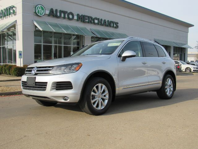 2013 Volkswagen Touareg V6 TDI LEATHER SEATS, NAVIGATION, HTD SEATS, BACKUP CAMERA, AUTO LIFTGATE BLUETOOTH CONNECTIVITY Plano TX