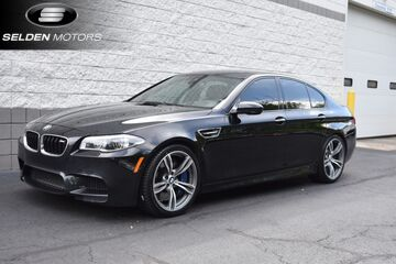2014_BMW_M5__ Willow Grove PA