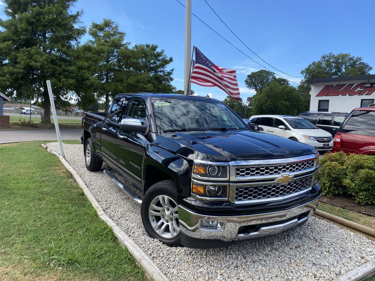 2014 CHEVROLET SILVERADO 1500 LTZ CREW CAB 4X4, WARRANTY, LEATHER, NAV, TOW PKG, BLUETOOTH, CLEAN CARFAX!