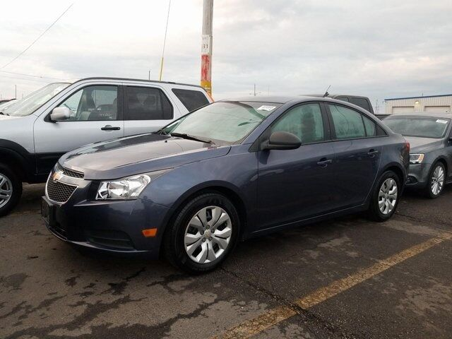 2014 Chevrolet Cruze LS Plymouth WI