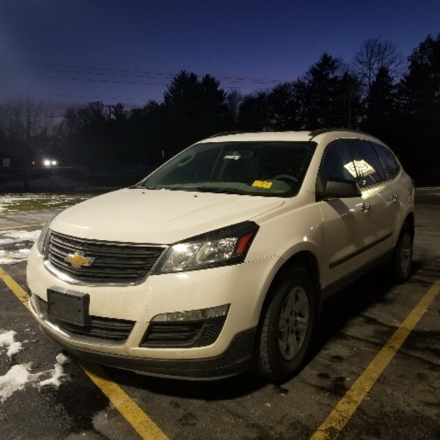 2014 Chevrolet Traverse LS Plymouth WI