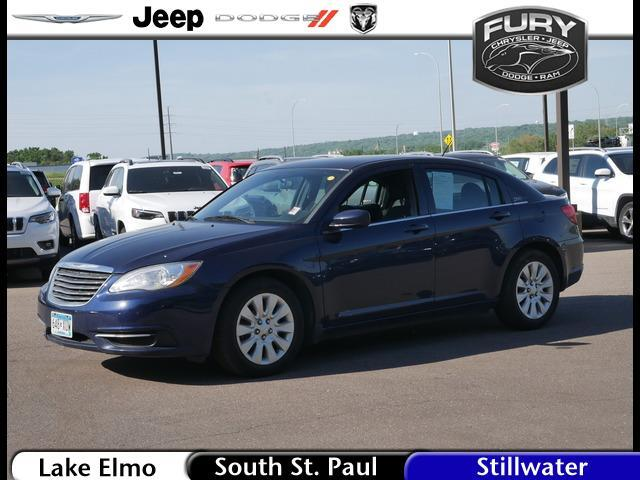 2014 Chrysler 200 4dr Sdn LX Lake Elmo MN