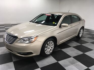 2014_Chrysler_200_LX_ Chattanooga TN